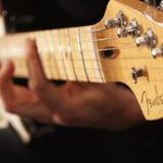 ギターの神様エリック・クラプトン。おすすめの3曲を過酷なエピソードを交えてご紹介!!